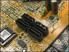 菜鸟成长手册:如何选SATA与PATA接口硬盘