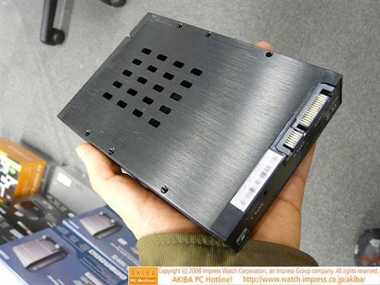 新奇二合一固态硬盘盒上市
