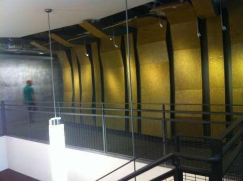 工厂包装台改造的走廊装饰