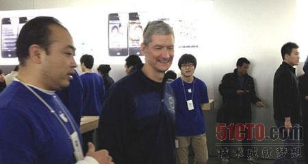 库克意外出现在北京西单大悦城苹果零售店
