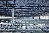 康瑟尔布拉夫斯的数据中心规模极为庞大,巨大的钢梁起到分配压力的支撑作用。