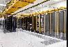 康瑟尔布拉夫斯数据中心内的塑料挂帘,可以将冷却用的冷空气保持在机房内,而阻挡来自外面的热空气。
