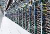 每个服务器的机架都有四个开关,分别连接着不同颜色的电线。谷歌会一直保持电线颜色的统一,这样在出现错误的时候就可以迅速判断并更换电线了。