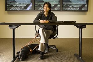 毕业于德州大学奥斯汀分校计算机科学系的张海伦,现在为一家联邦政府合同商工作,负责为国防部开发定制系统软件和网站